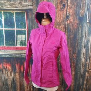 NORTH FACE DRYVENT VENTED HOODED WINDBREAKER XS